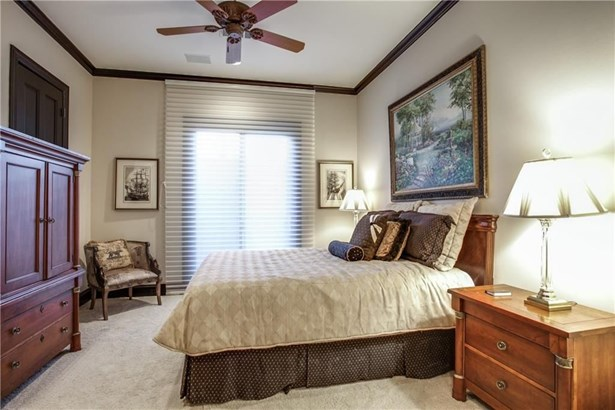 205 Pecan Street, Fort Worth, TX - USA (photo 2)