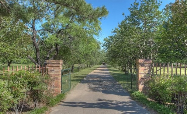 2238 E Highway 67, Keene, TX - USA (photo 3)
