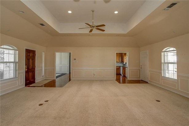 2701 Sw Hulen Street, Burleson, TX - USA (photo 5)