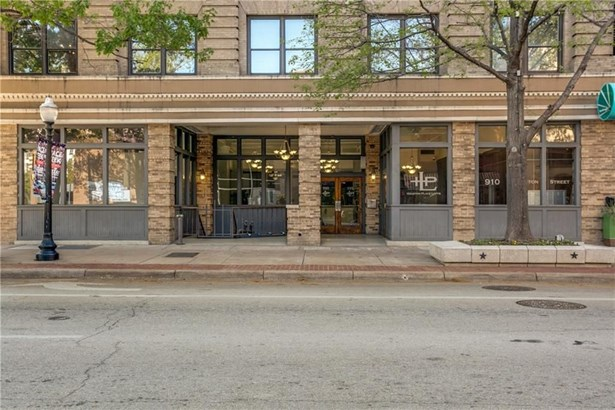 910 Houston Street 303, Fort Worth, TX - USA (photo 2)