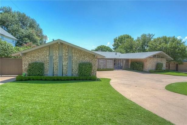 3805 Summercrest Drive, Fort Worth, TX - USA (photo 2)