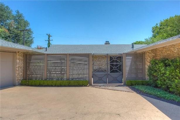 3805 Summercrest Drive, Fort Worth, TX - USA (photo 3)