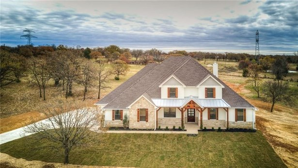 4016 Highland Oaks Lane, Cleburne, TX - USA (photo 2)