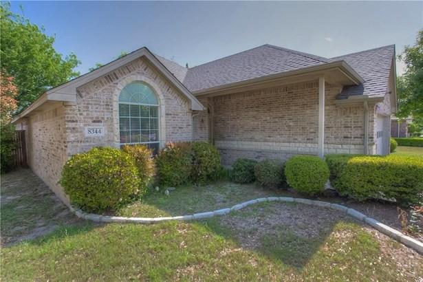 8344 Estandarte Court, Benbrook, TX - USA (photo 1)