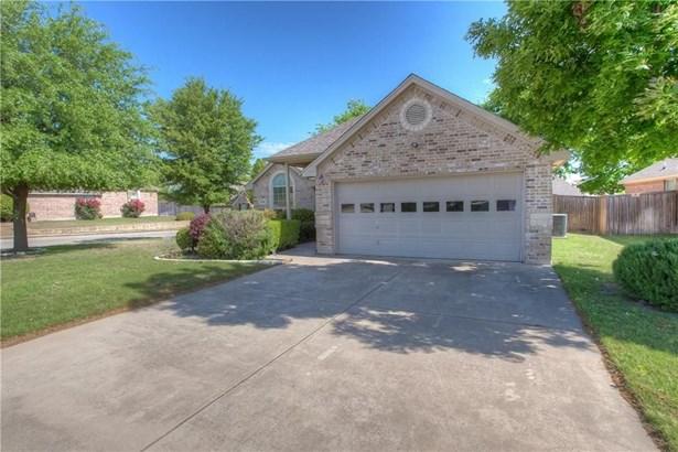 8344 Estandarte Court, Benbrook, TX - USA (photo 3)