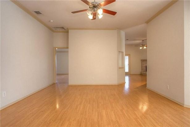 8344 Estandarte Court, Benbrook, TX - USA (photo 4)