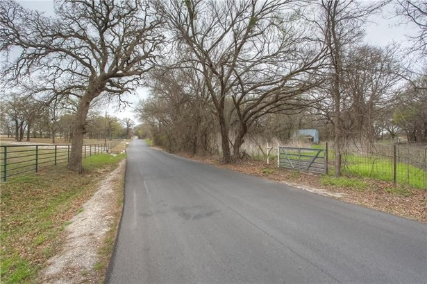 202 Briarwood Street, Weatherford, TX - USA (photo 3)