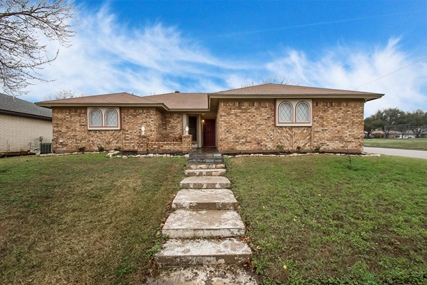 6521 Johnnie Street, Watauga, TX - USA (photo 1)