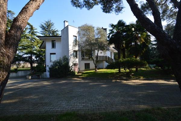 Udine - ITA (photo 2)