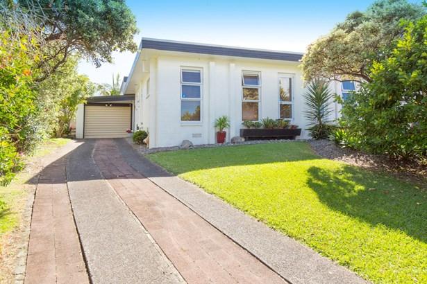 22 Amorino Drive, Red Beach, Auckland - NZL (photo 2)