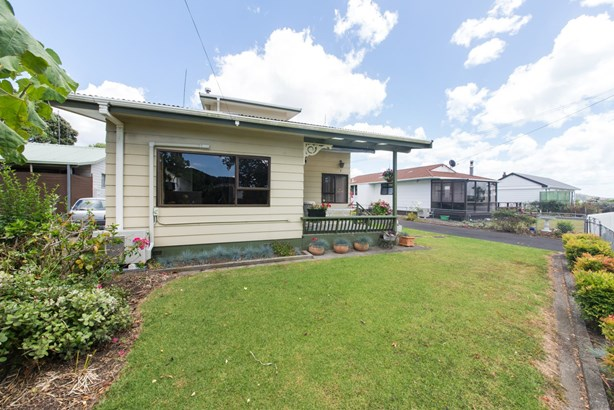 7 Rautawa Place, Kawakawa Bay, Auckland - NZL (photo 3)