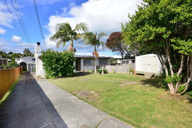 22 Red Beach Road, Red Beach, Auckland - NZL (photo 3)
