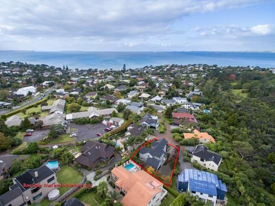 11 Asbury Crescent, Campbells Bay, Auckland - NZL (photo 4)