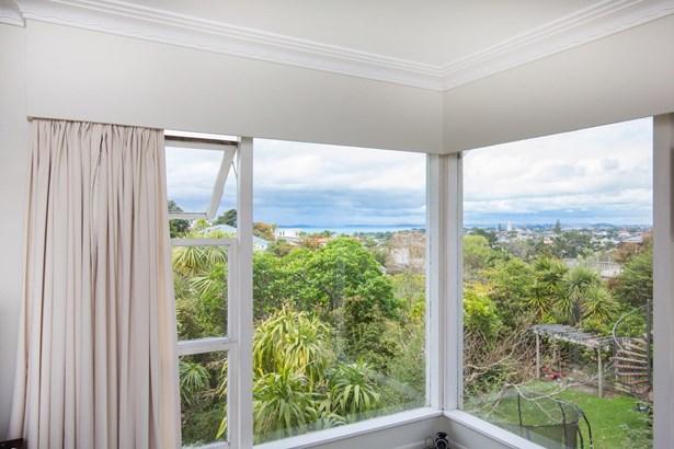 44 Parr Terrace, Castor Bay, Auckland - NZL (photo 3)