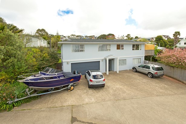 22 D'oyly Drive, Stanmore Bay, Auckland - NZL (photo 3)