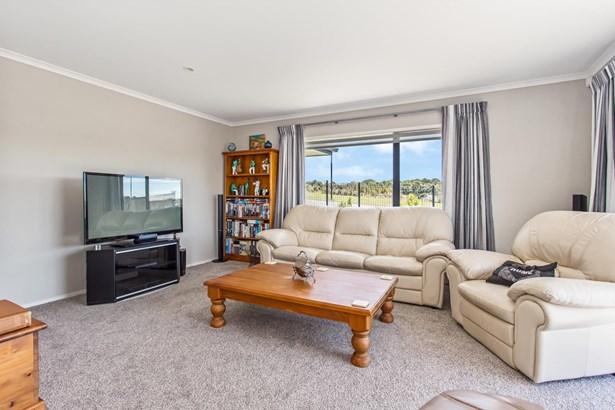 8 Harris Drive, Millwater, Auckland - NZL (photo 5)