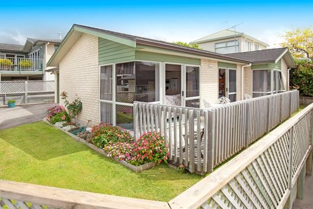 38a Bay Street, Red Beach, Auckland - NZL (photo 2)