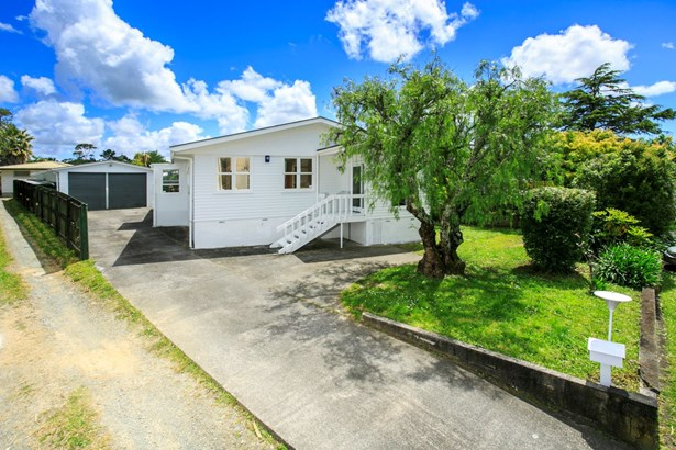 14 Riverpark Crescent, Henderson, Auckland - NZL (photo 1)