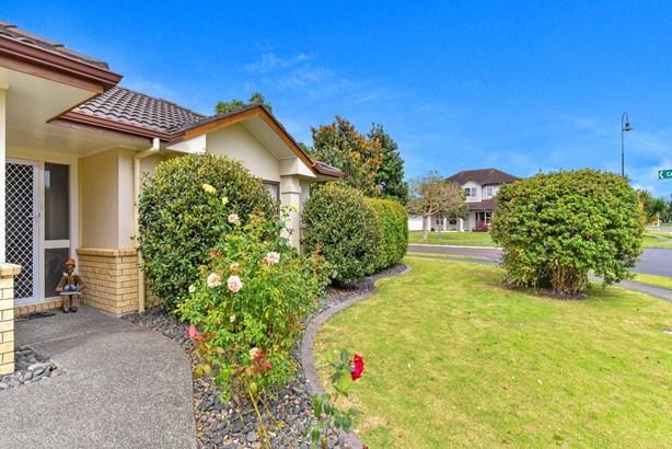225 Carnoustie Drive, Wattle Downs, Auckland - NZL (photo 3)