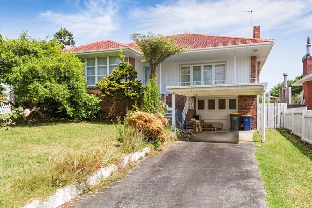 25 Gloria Avenue, Te Atatu Peninsula, Auckland - NZL (photo 2)