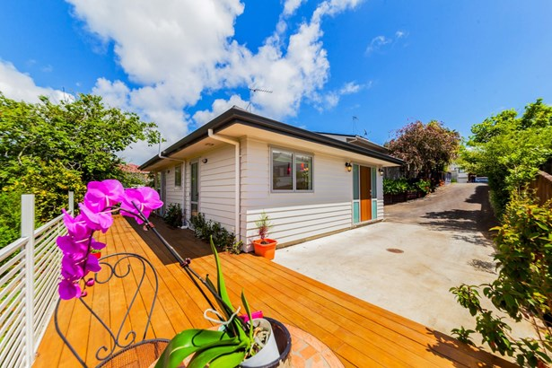 43 & 43a Gosford Drive, Botany Downs, Auckland - NZL (photo 1)