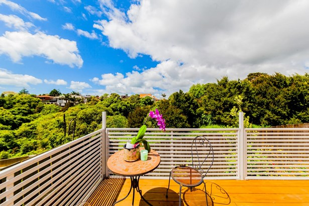43 & 43a Gosford Drive, Botany Downs, Auckland - NZL (photo 4)