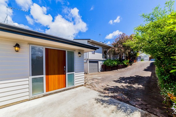 43 & 43a Gosford Drive, Botany Downs, Auckland - NZL (photo 5)
