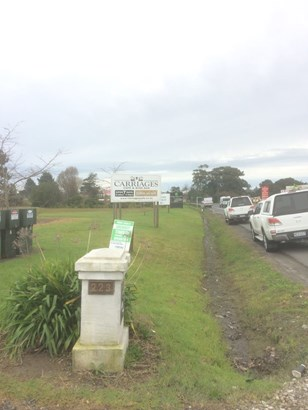 223 Main Road, Kumeu, Auckland - NZL (photo 2)