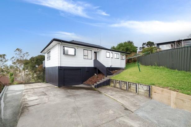 20 Raelene Place, Massey, Auckland - NZL (photo 2)