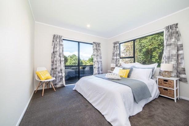 20 Raelene Place, Massey, Auckland - NZL (photo 4)