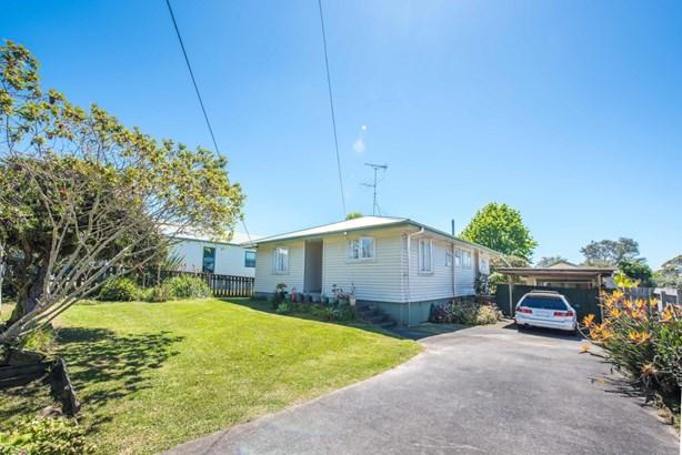 57 Beaubank Road, Kelston, Auckland - NZL (photo 2)