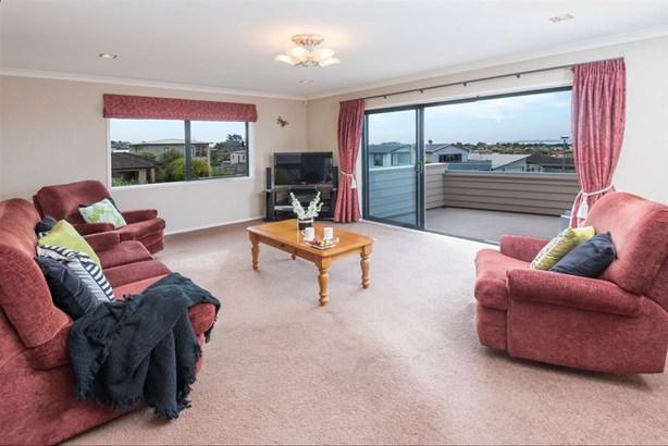 16 Columbia Crescent, Beachlands, Auckland - NZL (photo 4)