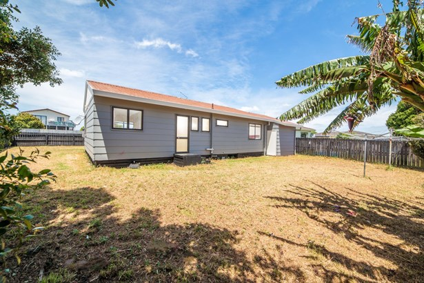 68 Maplesden Drive, Clendon Park, Auckland - NZL (photo 3)