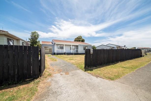 68 Maplesden Drive, Clendon Park, Auckland - NZL (photo 4)