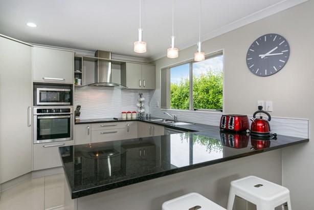 7 Aditi Close, Massey, Auckland - NZL (photo 4)