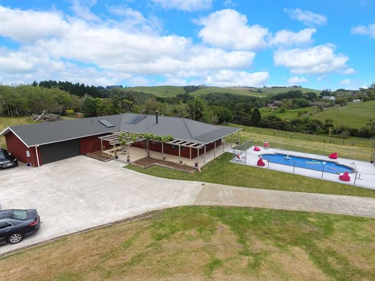 1435 Old North Road, Helensville, Auckland - NZL (photo 2)