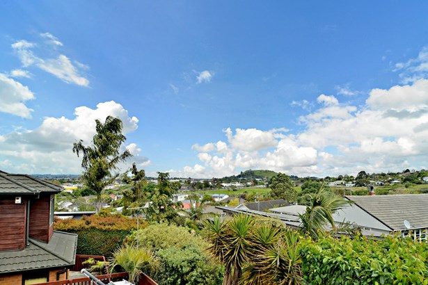 3 Lintaine Place, Glen Innes, Auckland - NZL (photo 2)