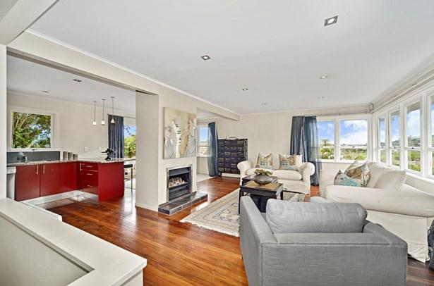 3 Lintaine Place, Glen Innes, Auckland - NZL (photo 4)