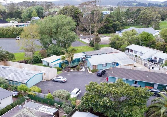 3 Parakai Avenue, Parakai, Auckland - NZL (photo 1)