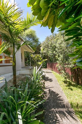 4/15 Selwyn Crescent, Forrest Hill, Auckland - NZL (photo 2)