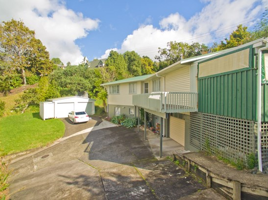 16 Cypress Place, Sunnynook, Auckland - NZL (photo 3)