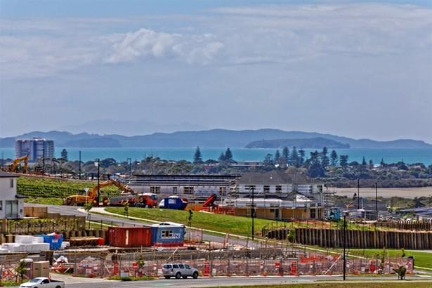 18 Fermier Greens, Silverdale, Auckland - NZL (photo 4)