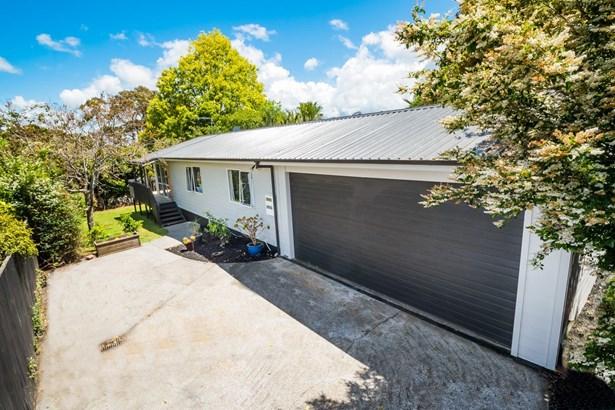 24a Cresta Avenue, Beach Haven, Auckland - NZL (photo 1)