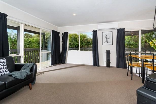 24a Cresta Avenue, Beach Haven, Auckland - NZL (photo 2)
