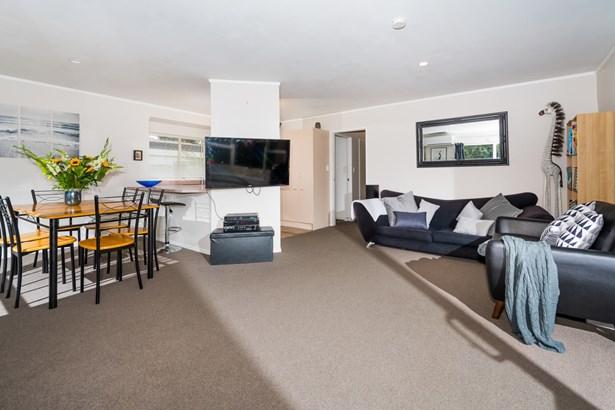 24a Cresta Avenue, Beach Haven, Auckland - NZL (photo 3)