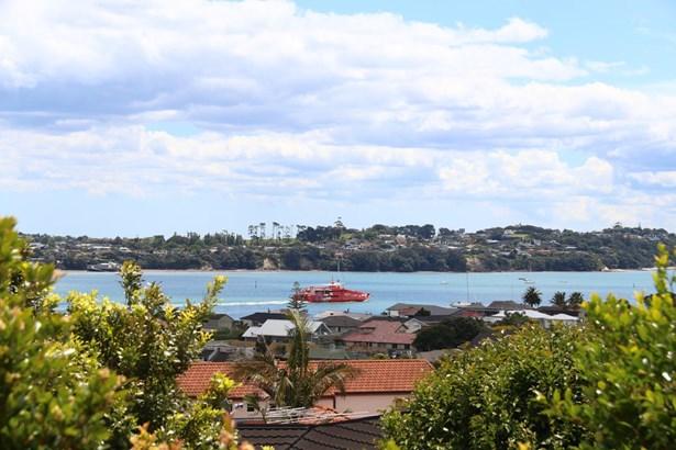 37a Devon Road, Bucklands Beach, Auckland - NZL (photo 2)