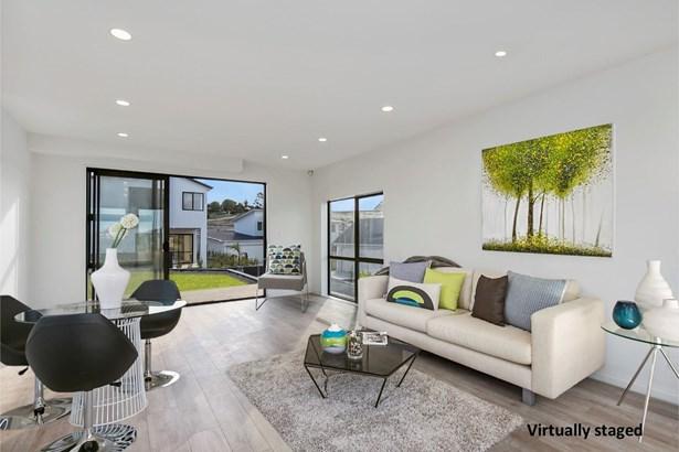 61a Westgate Drive, Westgate, Auckland - NZL (photo 3)