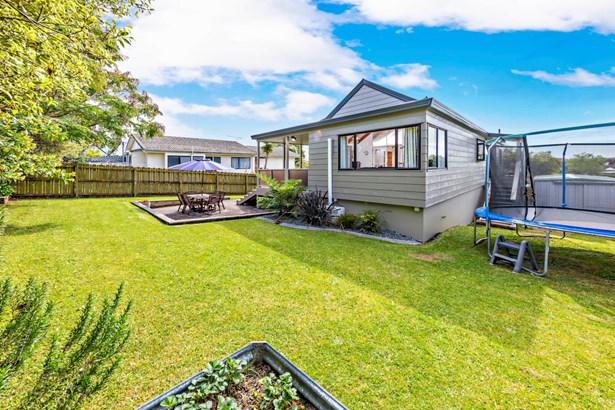 50 Gosford Drive, Botany Downs, Auckland - NZL (photo 2)