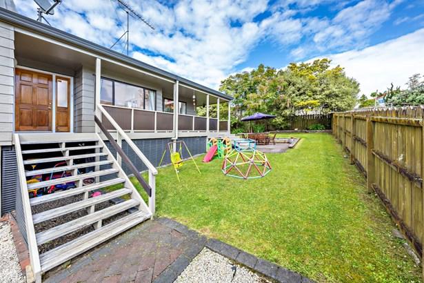 50 Gosford Drive, Botany Downs, Auckland - NZL (photo 3)