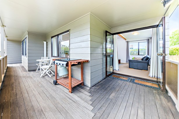 50 Gosford Drive, Botany Downs, Auckland - NZL (photo 5)